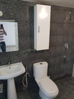 14J6U00149: Bathroom 1