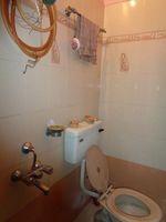 12A8U00278: Bathroom 3