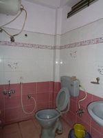 12A8U00278: Bathroom 1
