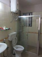 13M5U00058: Bathroom 1