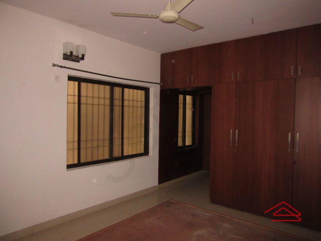 13M5U00058: Bedroom 1