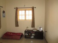 15M3U00304: Bedroom 2