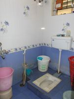 12A8U00010: Bathroom 1
