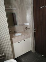 15A4U00013: Bathroom 1