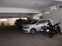 12J1U00104: parking 1