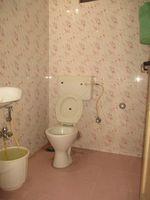 11S9U00410: Bathroom 2