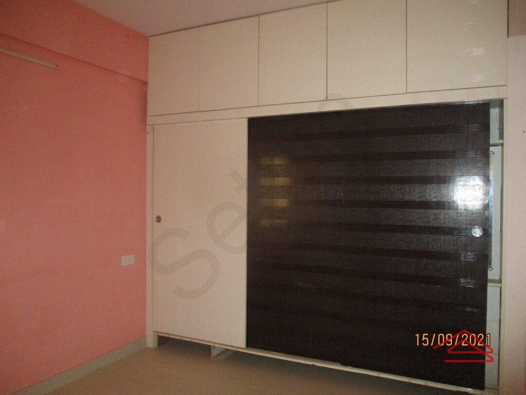 15S9U00387: Bedroom 1