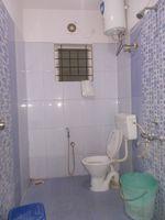 12OAU00060: Bathroom 2