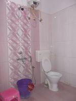 12OAU00060: Bathroom 1