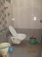 15J1U00018: Bathroom 2