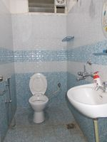 13J7U00407: Bathroom 3