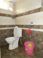 13J7U00407: Bathroom 2