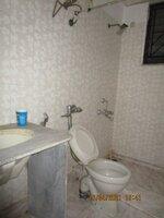 15A4U00129: Bathroom 1