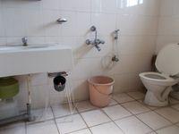 12NBU00245: Bathroom 3