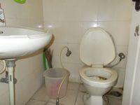 12NBU00245: Bathroom 1