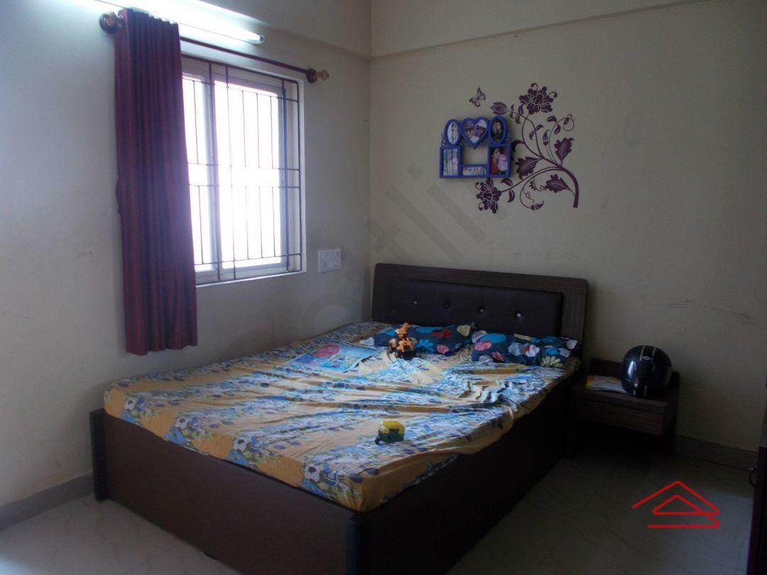 13J1U00143: Bedroom 1