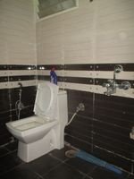 13M5U00202: Bathroom 1