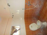 12J6U00439: Bathroom 2