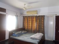 12J6U00439: Bedroom 1