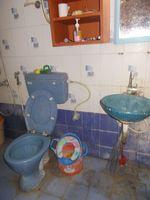 12DCU00124: Bathroom 1