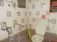12DCU00124: Bathroom 2