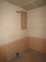13J6U00012: Bathroom 2