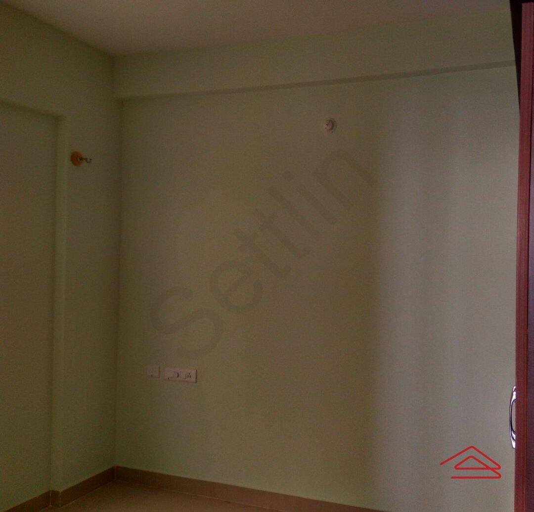 15J1U00211: Bedroom 1