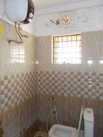 13F2U00069: Bathroom 2