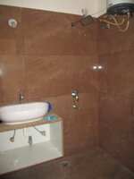 15J7U00076: Bathroom 4