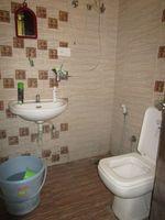 13M5U00152: Bathroom 1