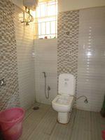 13M5U00152: Bathroom 2