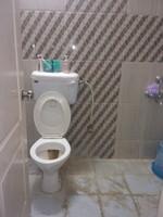 11J7U00105: Bathroom 1