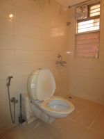 13J7U00111: Bathroom 2