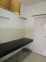 13J7U00111: Kitchen 1