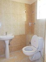 12M5U00336: Bathroom 2