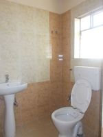 12M5U00336: Bathroom 1