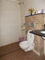 12J6U00317: Bathroom 1