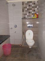 12J6U00317: Bathroom 2