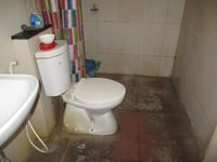 14J1U00087: Bathroom 2