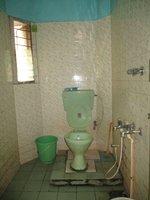 14S9U00038: bathroom 2
