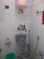13J1U00001: Bathroom 2