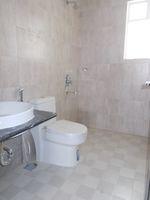 13J1U00272: Bathroom 3