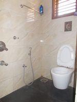 13F2U00378: Bathroom 4