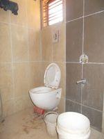 13F2U00378: Bathroom 6