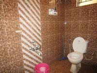 13M5U00002: Bathroom 1