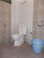 13J1U00080: Bathroom 1