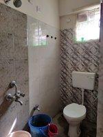 13DCU00333: Bathroom 1
