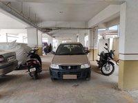 13DCU00333: Parking1