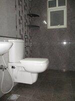15OAU00225: Bathroom 2