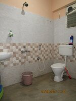 13M5U00389: Bathroom 2
